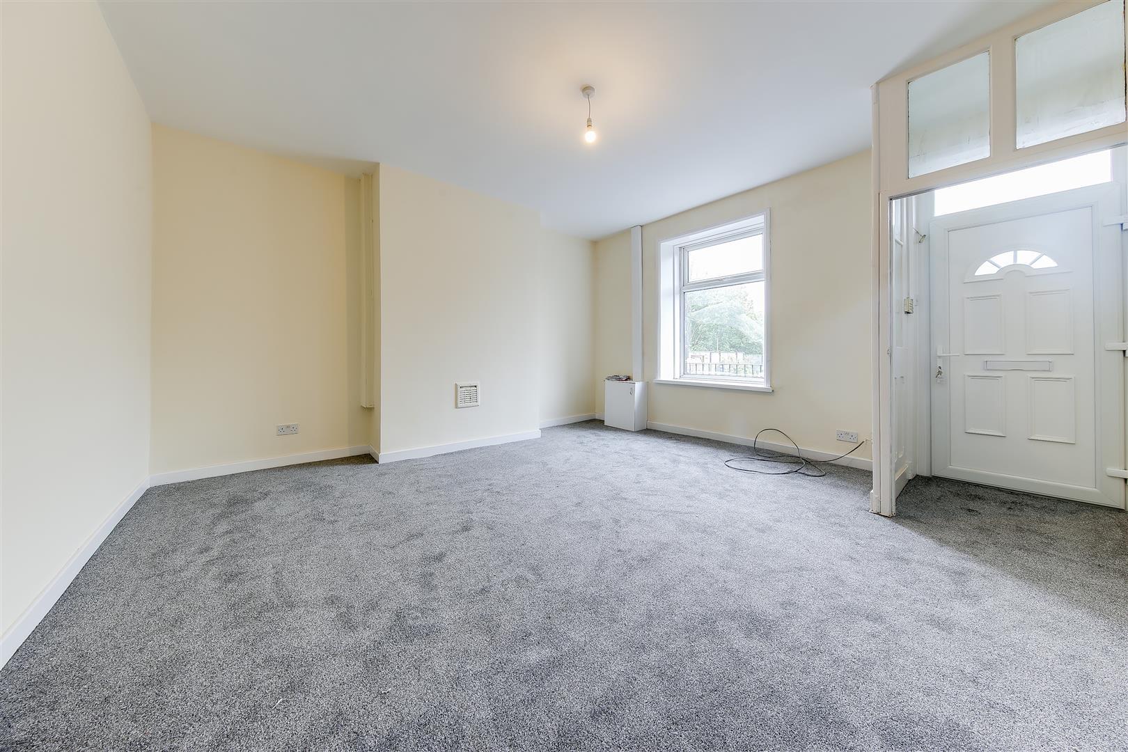 2 Bedrooms Property for sale in Burnley Road East, Waterfoot, Rossendale